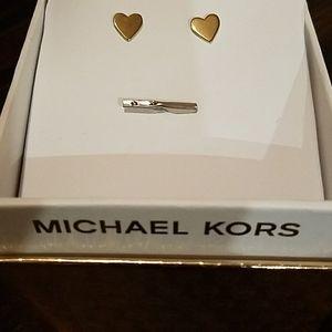 Michael Kors Gold Flat shaped heart studs